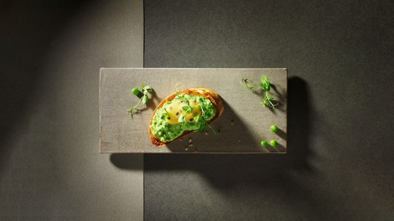 Crostini with pea mousse